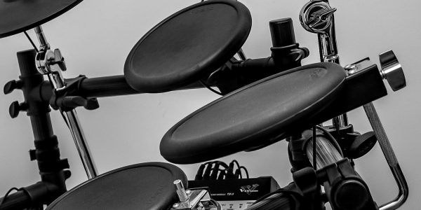 11 Best Electronic Drum Sets in 2020 (With BUYER'S GUIDE)